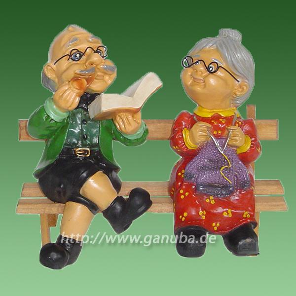 Deko Figur Oma Und Opa Auf Der Bank