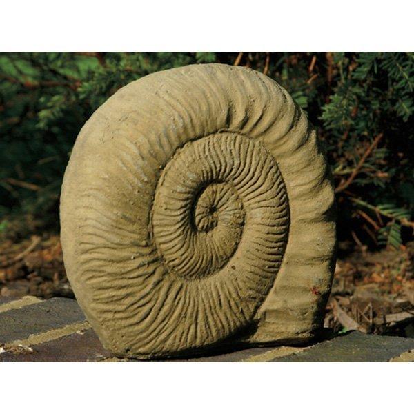 deko figur f r den garten small ammonite. Black Bedroom Furniture Sets. Home Design Ideas