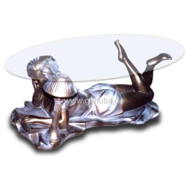 Dekorations Tisch Lesende Frau