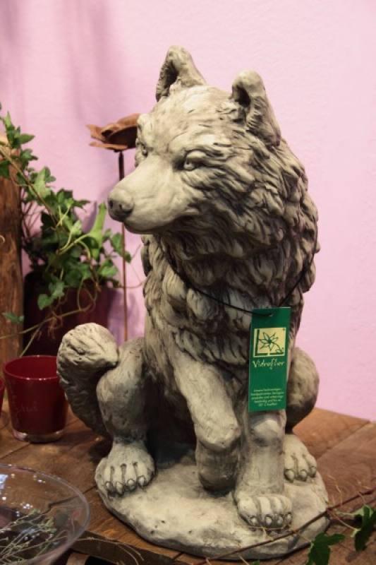 Gartenfigur wolf aus steinguss for Gartenfiguren aus steinguss